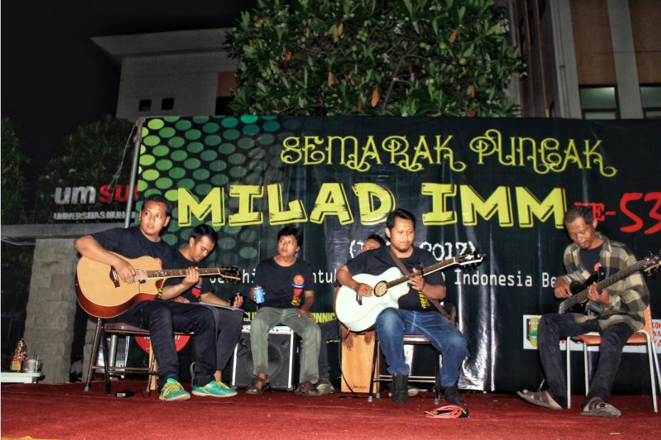 Malam Puncak Semarak Milad IMM KE-53 IMM UM Surabaya