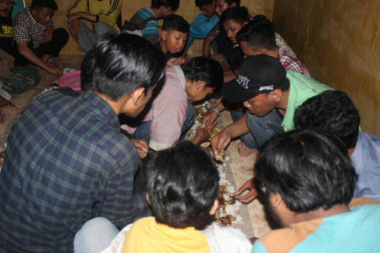 Hujan pada Malam Milad IMM Ke-53, IMM UIN Surabaya Gelar Peringatan di 'Rumah Perjuangan' Mereka