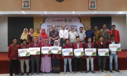 IDUL ADHA bagi Ikatan Mahasiswa Muhammadiyah se UMSurabaya identik dengan sapi, kambing dan bakti sosial (BAKSOS)